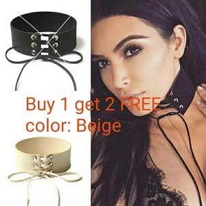 Jewelry - Beige choker necklace